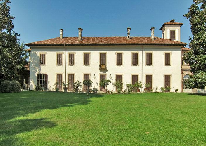 Spazio Seicento: Facciata Villa dal parco