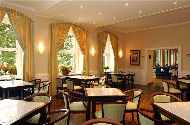 Beispiel: Café, Foto: Schlosshotel Molkenkur.