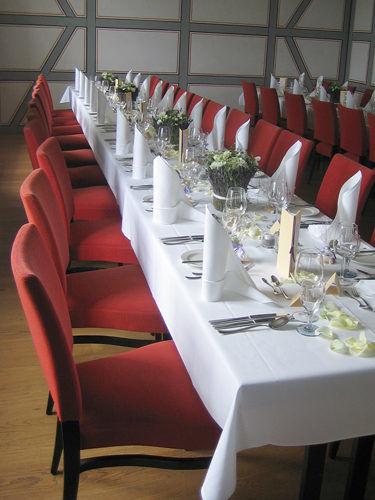 Beispiel: Hochzeitsfloristik, Foto: Krätzer Blumen.