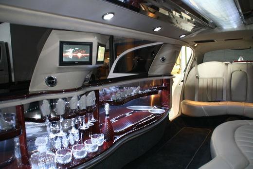 Beispiel: Lassen Sie sich zur Hochzeit verwöhnen, Foto: Drive de Luxe.