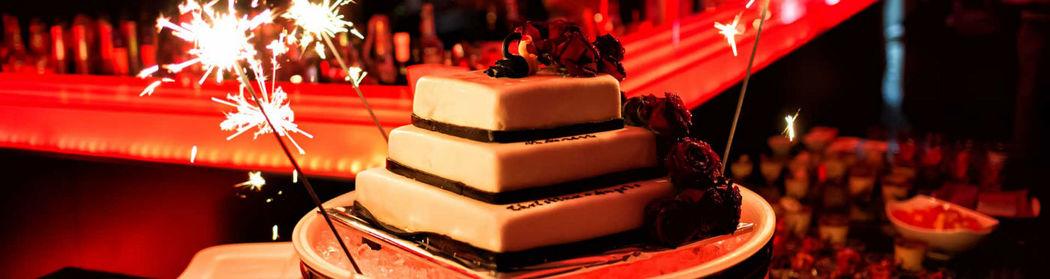 Beispiel: Hochzeitstorte, Foto: Moods Bar & Restaurant.