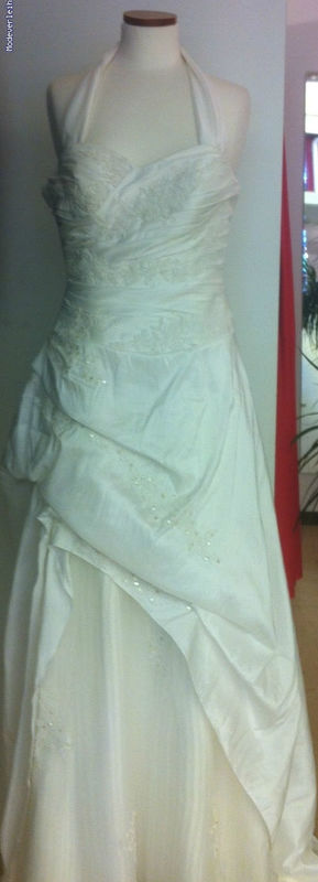 Beispiel: Brautmode, Foto: , Modeverleih Mainz.