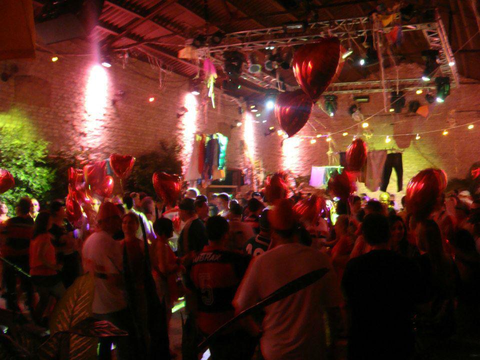 Um dos momentos mais lembrados da festa é a pista de dança.