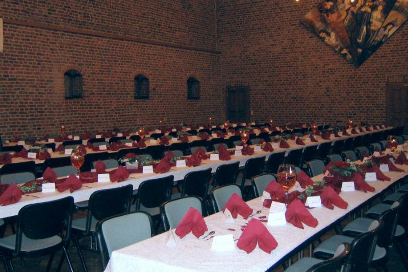 Beispiel: Festtagstafel Winkelsaal, Foto: Schloss Burgau.