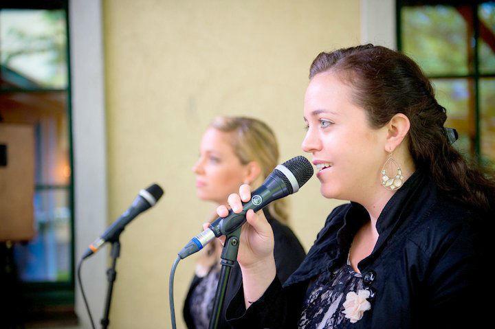 Beispiel: In der Kirche, Foto Delightful Voices.