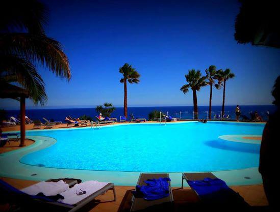Beispiel: Zeit zum Ausspannen am Pool, Foto: Robinson Club.