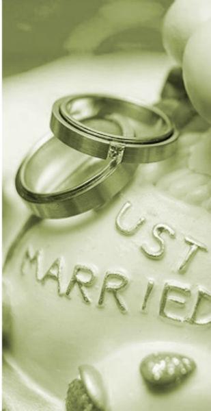 Wir haben Ihre perfekte Hochzeitstorte  Foto: Atelier der Torten Friedann