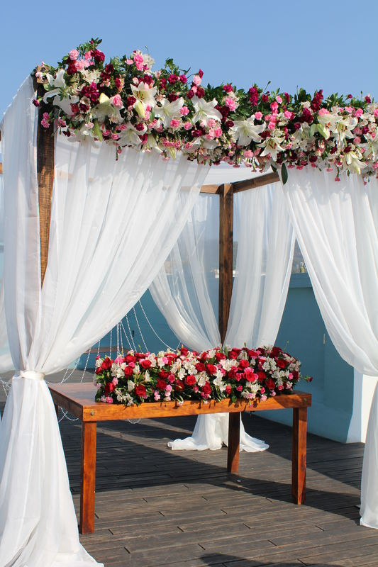 ::Pérgola con lienzos de gaza:: Lugar: Hotel Azul, Oaxaca. Ideal para Ceremonia Civil o Set de novios.