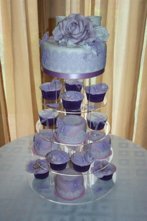 Beispiel: Elegante- Lila- Hochzeitstorte, Foto: Lealu Sweets.