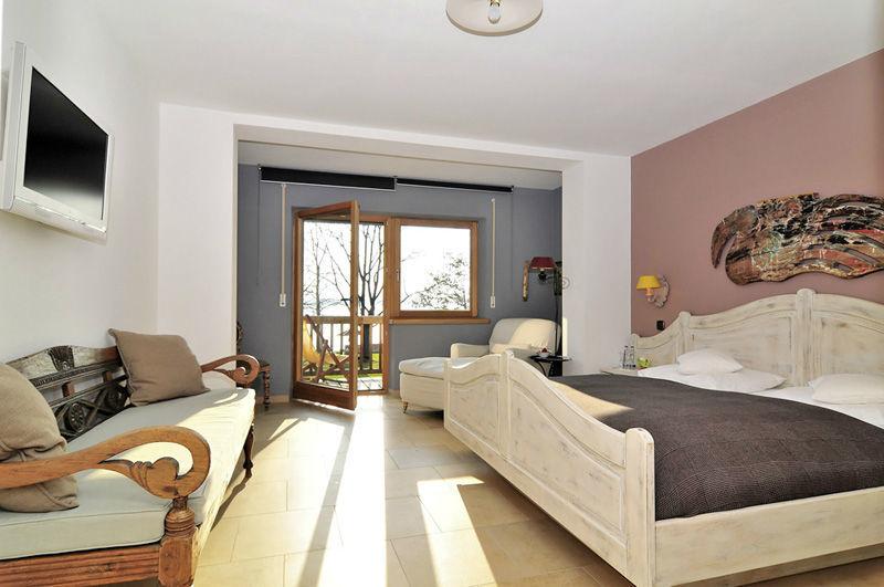 Beispiel: Zimmer, Foto: Chiemgauhof.
