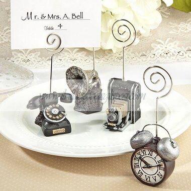 Vintage, romantici, minimal o moderni, presso Il Villaggio degli Sposi troverete accessori e oggetti in grado di rispondere ad ogni vostra esigenza.
