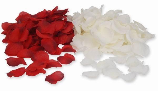 Beispiel: Rosenblätter, Foto: Baumann Floristik und Dekoration.