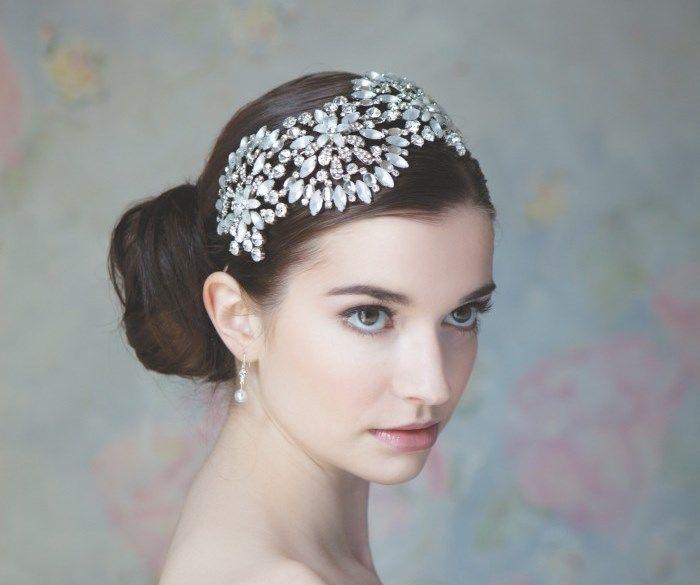 Beispiel: Diadem für die Braut, Foto: Event-Mode.