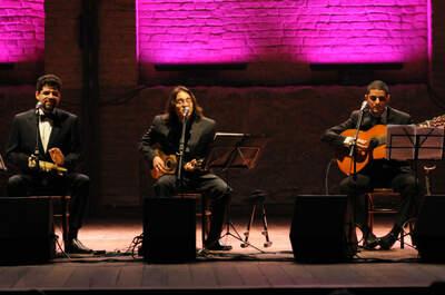 Trio de Couro e Cordas