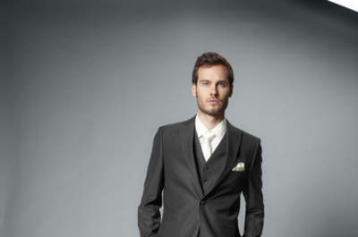 Pronuptia Monsieur garnitury ślubne