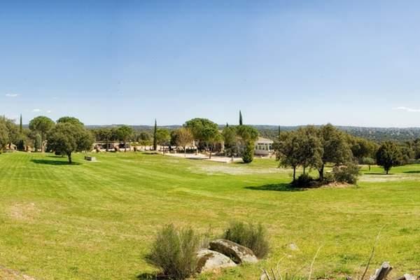 Lugares para bodas en madrid for Jardin de la vereda