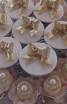 Cupcake Decorado para casamento Confeitaria Adalgisa Almeida