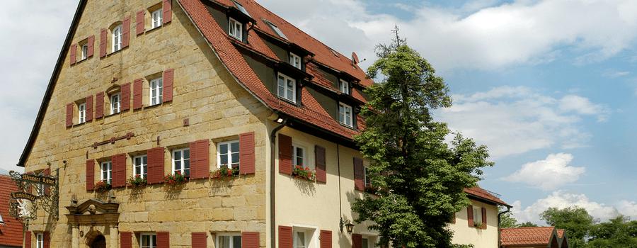 Beispiel: Außenansicht, Foto: Landgasthof Weisser Löwe.