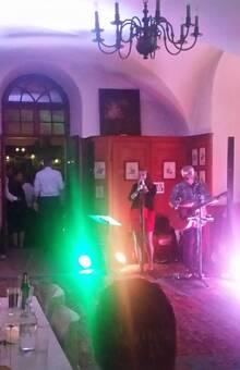 Billard-Saal mit Live-Band Just Two und Tanzfläche