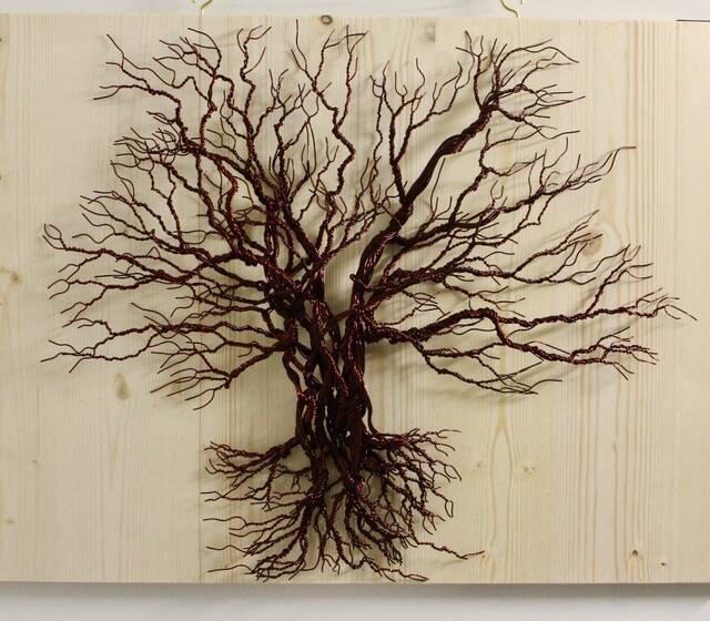 Drahtbaum auf Holz mit KupferDraht