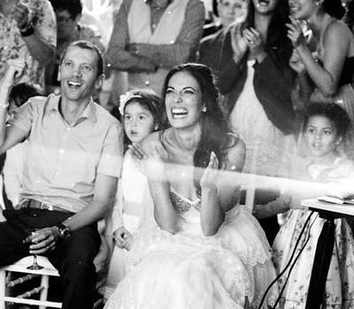 Moment magique de la découverte de la vidéo  des mariés.