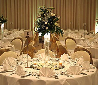 Beispiel: Suche nach der perfekten Hochzeitslocation, Foto: Ness Event.