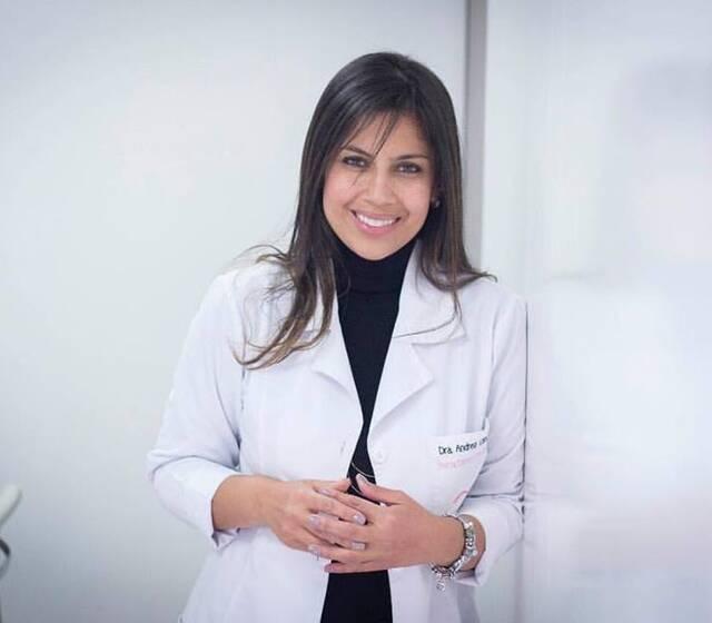 Dra. Andrea Vanegas