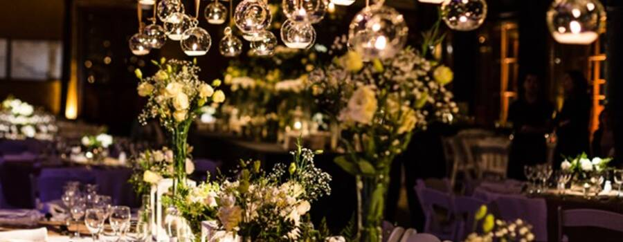 Mesa novios llena de burbujas con velas !!