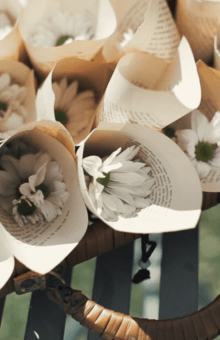 Detalle de los conos de pétalos que montamos en Wedding Warriors
