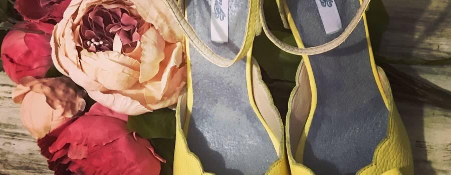 Ref. Marisol en cuero amarillo sol