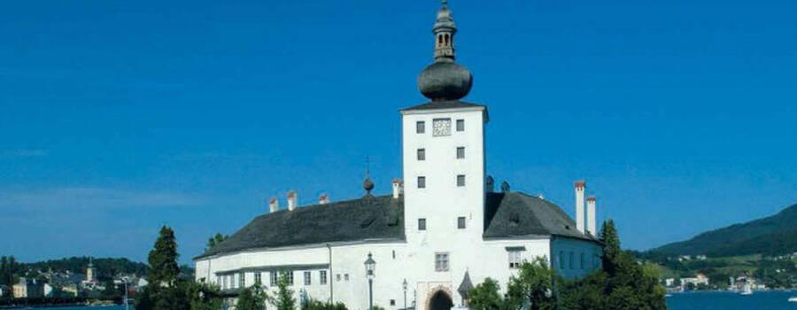 Beispiel: Zugang zum Schloss, Foto: Seeschloss Ort.