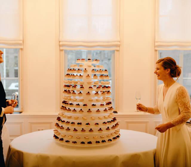 een toren van taartjes  foto: Sjoerd Booij Photography