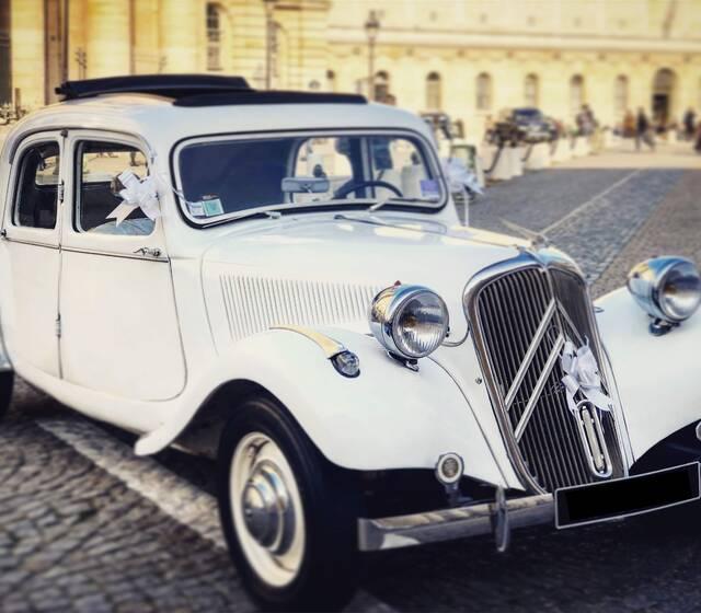 Mariage en voiture de luxe