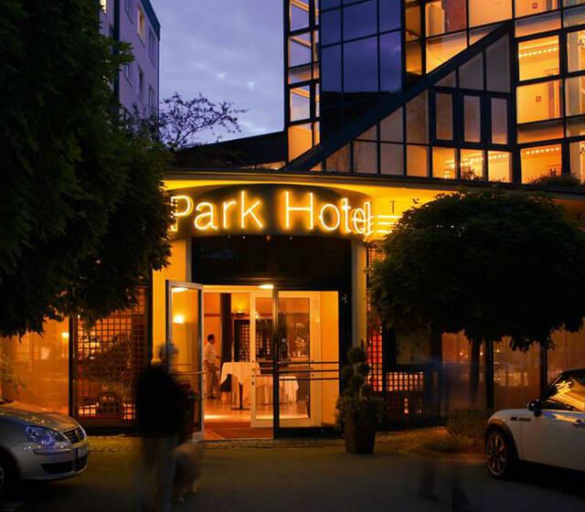 Beispiel: Außenansicht, Foto: Parkhotel Schmid.