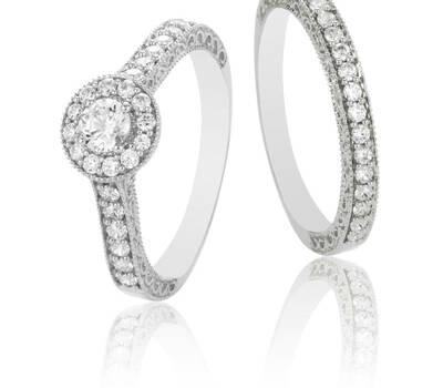 Duo anillo de compromiso y alianza de oro blanco y diamantes