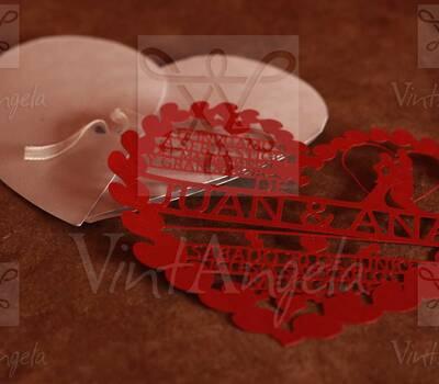 Vintangela: Invitaciones de bodas te presenta este modelo corazon calado, ubicados en Cuernavaca pero envian a todo el país.