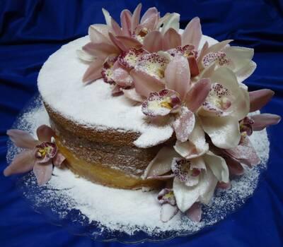 Bolo Naked Cake Decorado com Orquídeas
