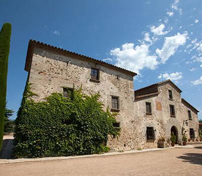 Can Morató, reconstruida por un discípulo de Gaudí.
