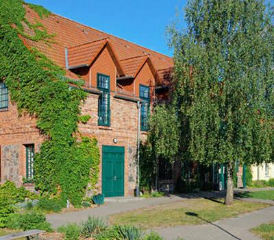Beispiel: Außenansicht, Foto: Landhof Arche.