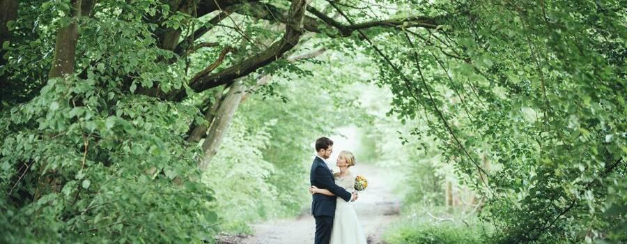 Hochzeitsfotograf Schloss Basthorst, Brautpaarfoto, emotionale Hochzeitsfotografie, Hochzeitsfotograf Schwerin