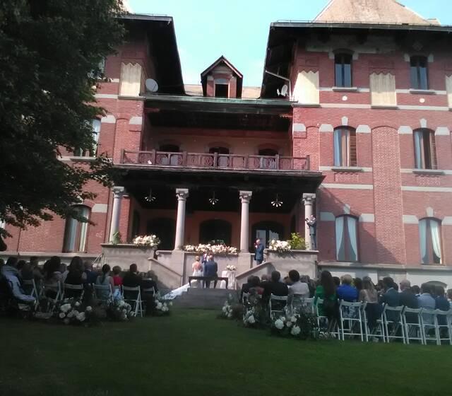 Villa cernigliaro, il rito civile in Villa