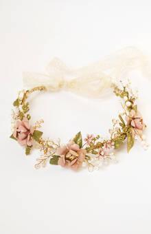 Coroncina floreale gioiello con rose, cristalli e perle d'acqua dolce