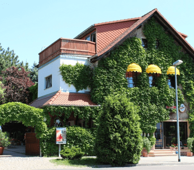 Beispiel: Außenansicht, Foto: Mélange - Restaurant und Café.