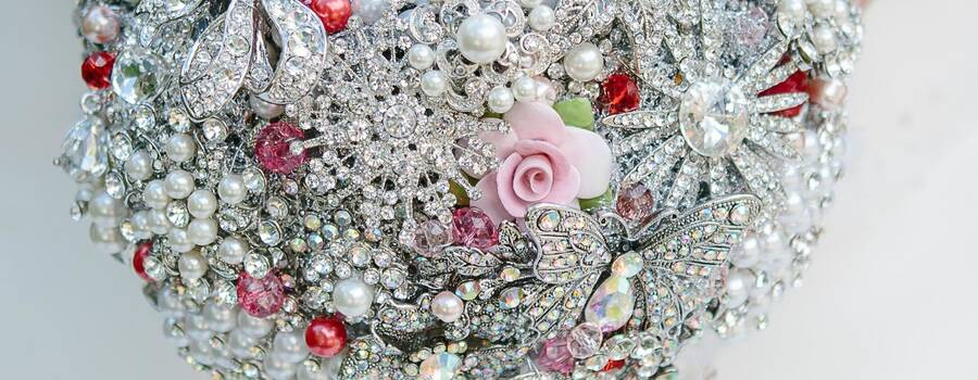 """Christmas Rose"" brooch bouquet"