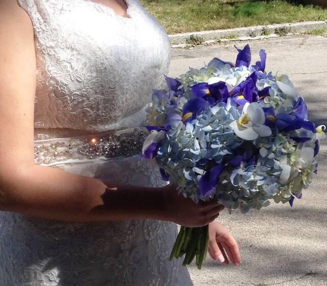 Ramo Hortensias, iris y orquideas