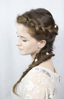 Peinado trenzado rómantico