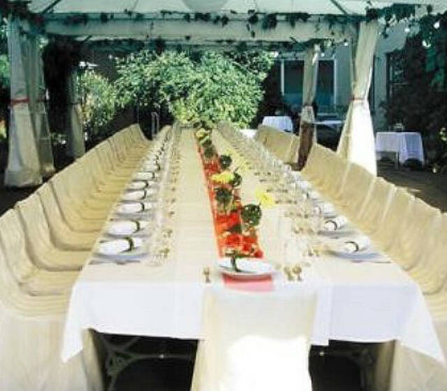 Foto: Grosser Hochzeitstisch