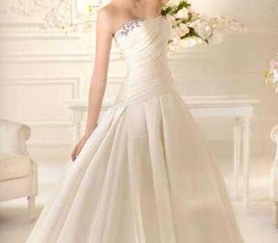 Beispiel: Hochzeitsmode, Foto: Minder Mode.