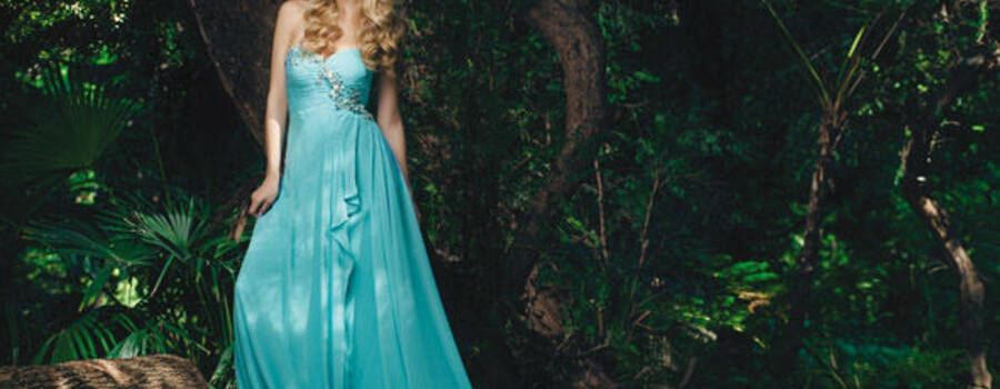 Un abito da vera principessa. Georgette fluttuante nel colore moda