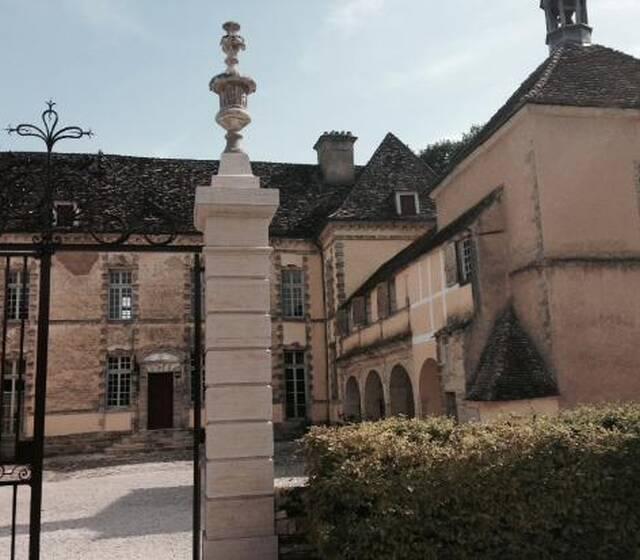 Chateau D'Entre-Deux-Monts